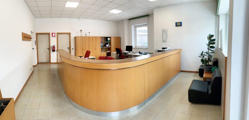 UFFICIO FRONTE STRADA CON VETRINA - Trentin Immobiliare